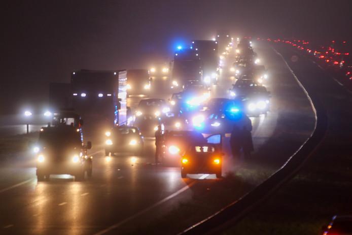 File op de A30 bij Barneveld door een ongeluk.
