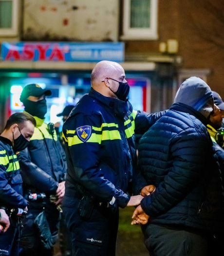 Grapperhaus: OM en sociale media moeten optreden tegen het delen van adressen politieagenten