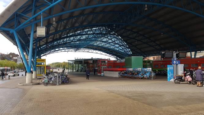 Twee gewonden bij grote vechtpartijen aan station van Halle