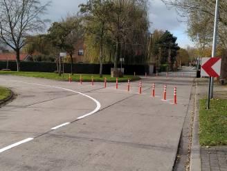 """Paaltjes remmen snelheidsduivels in wijk Rodenburg af: """"Veiliger voor fietsers"""""""