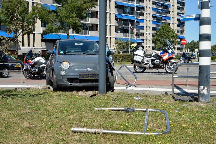Op de Graaf Hendrik lll Laan in Breda zijn twee voertuigen op elkaar gebotst.