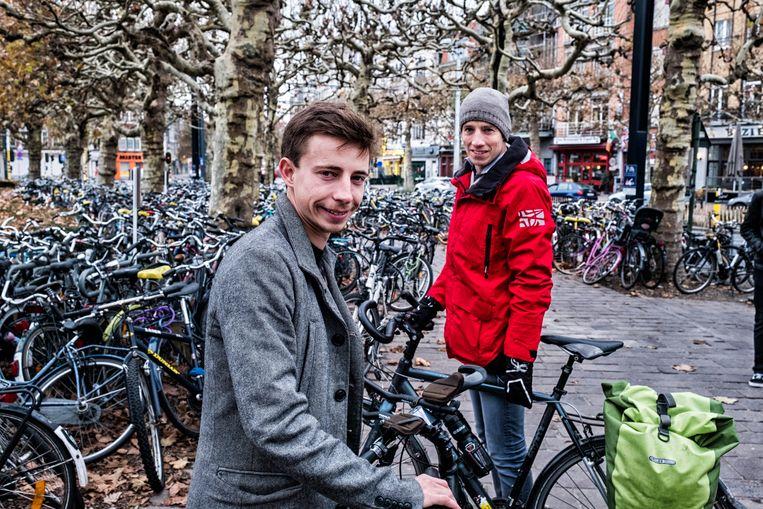 """Lander Wantens en Toby Lauwerier trekken deze vrijdag met een vierkoppige delegatie naar Katowice. """"Zie ons als het verlengstuk van de grote klimaatmars in Brussel."""" Beeld Tim Dirven"""