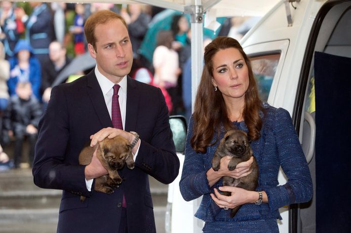 Prins William (L) en Catherine (R)