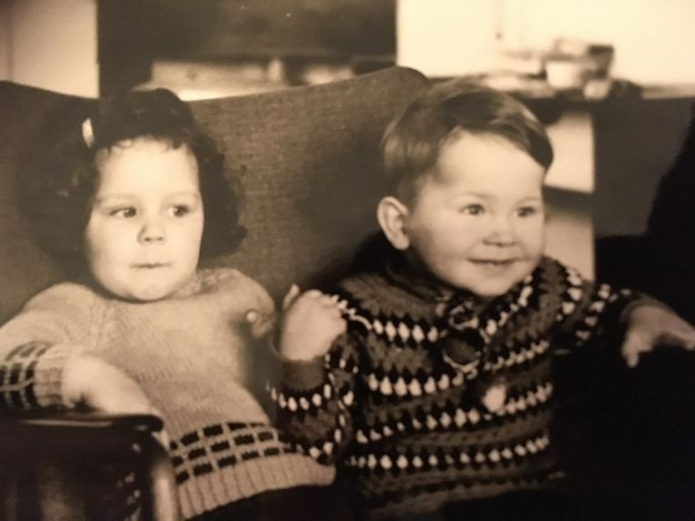 Zus en broer Mannink, begin jaren zeventig.  Beeld Privearchief Eke Mannink