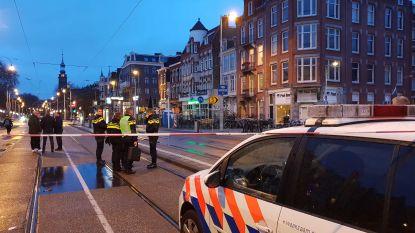 Meerdere huizen beschadigd na explosie vlak bij coffeeshop in Amsterdam