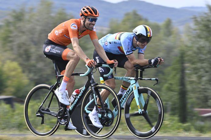 Wout Van Aert a repéré le parcours en compagnie de Tom Dumoulin, son coéquipier chez Jumbo-Visma, qui sera un de ses concurrents, vendredi.