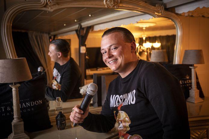 Oldenzaler Jamie Short is zanger en heeft z'n eerste debuutsingle uitgebracht.