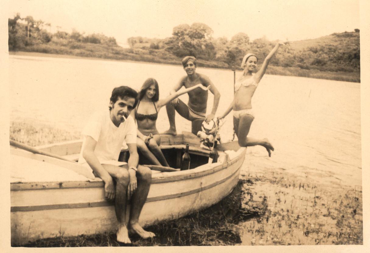 Op zijn website publiceerde Coelho enkele foto's uit zijn hippietijd.