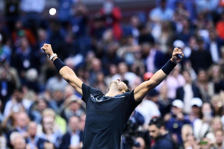 Rafael Nadal viert de overwinning. Beeld AFP