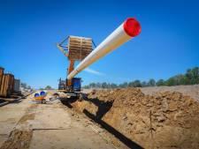 Nieuwe leiding voor drinkwater over liefst 17 kilometer tussen Wierden en Den Ham: 'Om aan stijgend verbruik te voldoen'