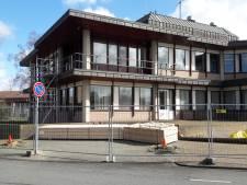 Asbest hindert  verbouwing gemeentehuis Oldebroek opnieuw