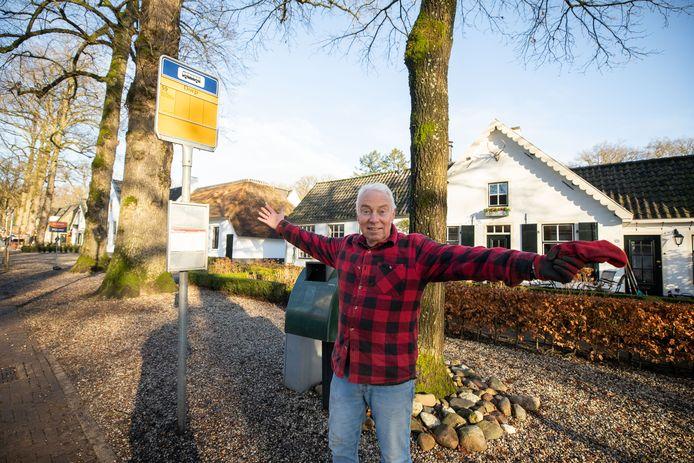Frits Visser windt zich op over het schrappen van buslijn 59 in het weekend: 'Schandalig!'
