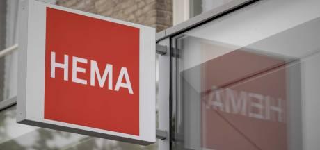 Nieuwsoverzicht | 29 Marechaussees van Eindhoven Airport in quarantaine - Plafond bij Hema stort in