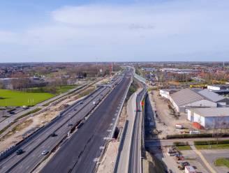Nieuw wegdek E17 richting Gent is klaar, aansluitend start heraanleg in andere rijrichting