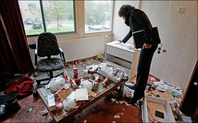 Woonconsulenten stuiten in Spijkenisse vaker op vervuilde huizen.