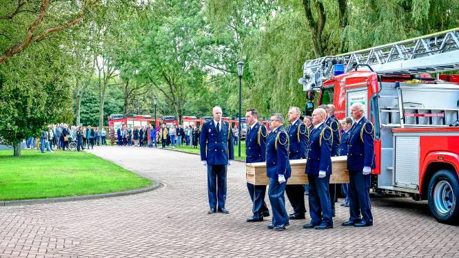 Gemist? Emotioneel afscheid van brandweerman Ap (57) en Mustapha (47) verloor zijn woning