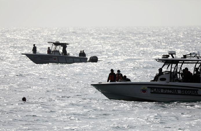 Patrouilleboten van het Venezolaanse leger langs de kust