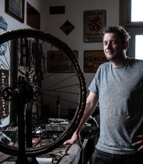 Roels rijwielmuseum redt fietsen van ondergang:  'Tandwiel met naam Gazelle eruit gefreesd: kunst'