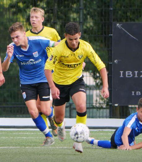 Talentvolle Helmondse tiener speelt zich in de kijker bij Feyenoord