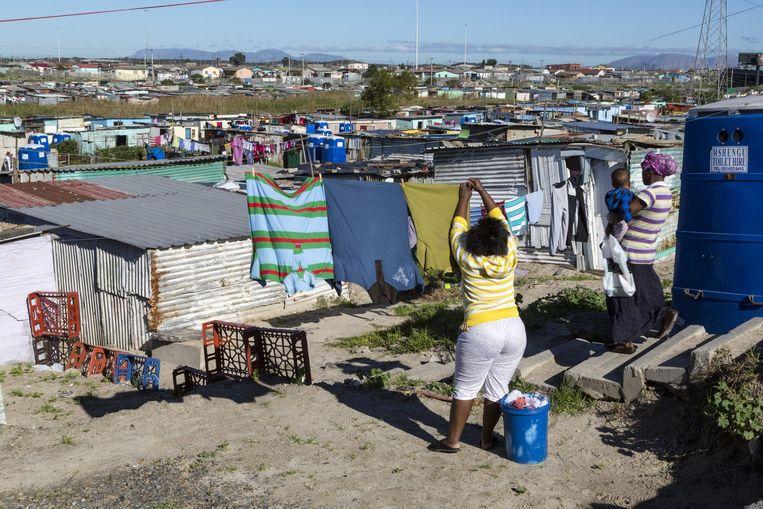 Het arme township Khayelitsha, nabij het rijke Durbanville. Beeld Belga