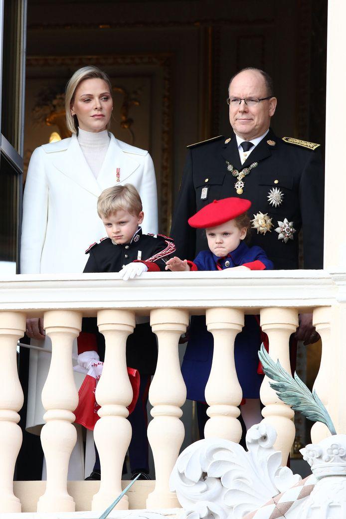 Charlene, Albert en hun kinderen.