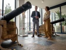 Kanons zijn veel zeldzamer dan kanonnen en pronken daarom in de hal van het Vlissingse stadhuis