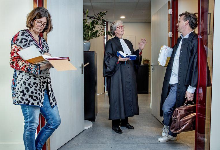 Sociaal advocaten Ellen Gelok, Els van Blokland en Thomas Vetter van Advocatenkollectief Oost. Beeld Jean-Pierre Jans