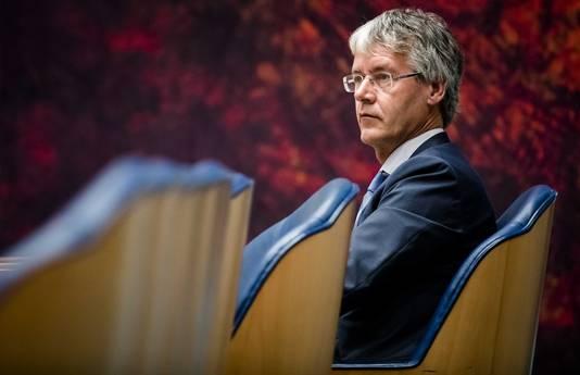 Minister Arie Slob roept scholen op tot nauwere samenwerking, ook al voelt dat in het begin 'onwennig'.
