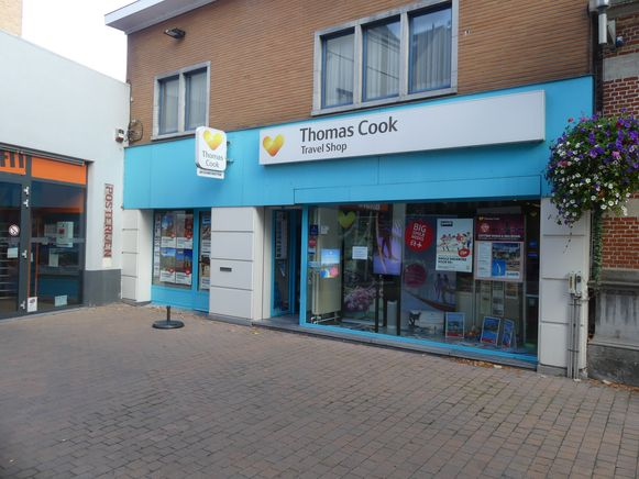 De Thomas Cook Travel Shop in Deinze blijft gewoon open.