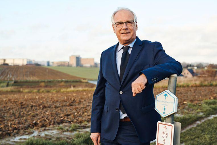 Luc Deconinck, burgemeester van Sint-Pieters-Leeuw. Beeld Thomas Nolf
