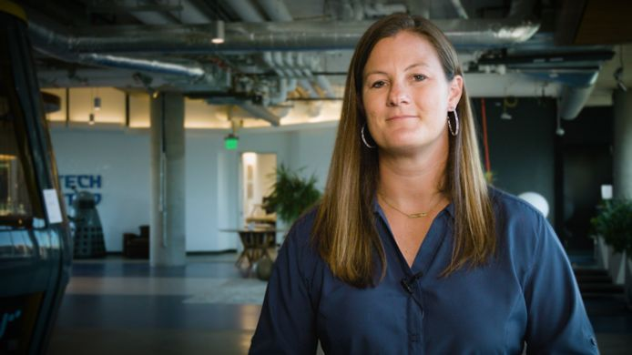Lauren Whitt helpt werknemers van Google mentaal fit te blijven, met kennis die ze onder meer opdeed in de sportwereld.