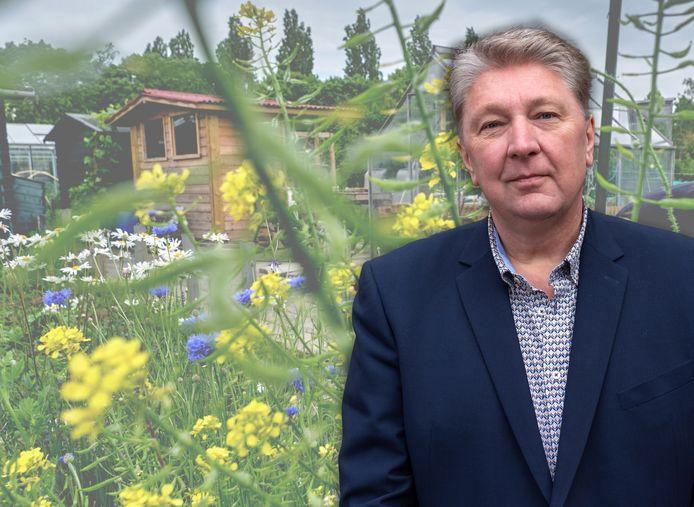 Wethouder Marco Stam gaat de komende maanden op zoek naar een plek waar De Vrije Tuinder alsnog terecht kan voor 260.000 euro.