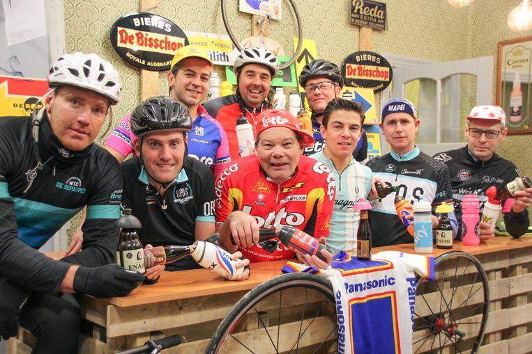 Het Feestcomité Leupegem is al helemaal in de stemming voor de grote wielerwedstrijden.