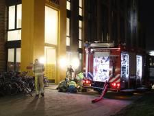 Studentenflat in Zwolle ontruimd na brand, 70 bewoners opgevangen in hotel