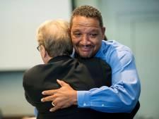 Amerikaanse man krijgt gratie na 22 jaar onterecht in de gevangenis te hebben gezeten voor moord