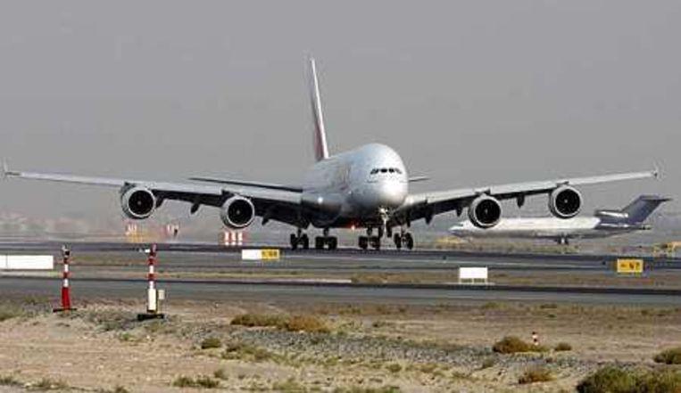 De eerste Airbus A380 wordt afgeleverd in de Verenigde Arabische Emiraten. Foto EPA/Ali Haider Beeld