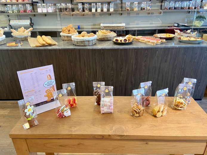 De nieuwe brood- en banketbakker in 's-Gravenwezel heeft deze week haar deuren geopend