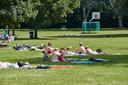 Zwembad Het Vinkennest is bij mooi weer open. Bij slecht weer kunnen zwemmers in Neede terecht in het overdekte zwembad