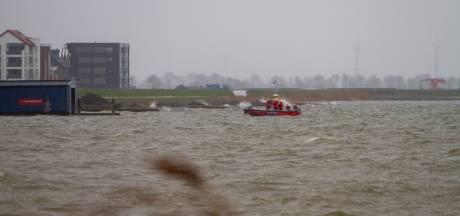Man (27) uit Ermelo vermist nadat hij met kano te water ging, ook vandaag zoektocht bij Harderwijk
