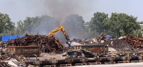 Brand tijdens opruimwerkzaamheden bij Van der Heijden Transport in Hapert