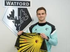 Bergkamp en Pochettino tekenen contract bij Watford: 'Ik hoop op een kans in het eerste elftal'