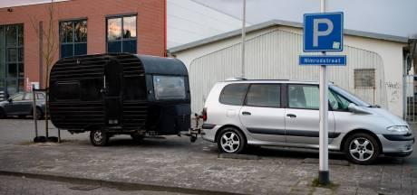 Mobiele daklozenopvang van Joshua gestolen in Tilburg: 'Het wordt koud, ik hoop dat je hem terugbrengt'