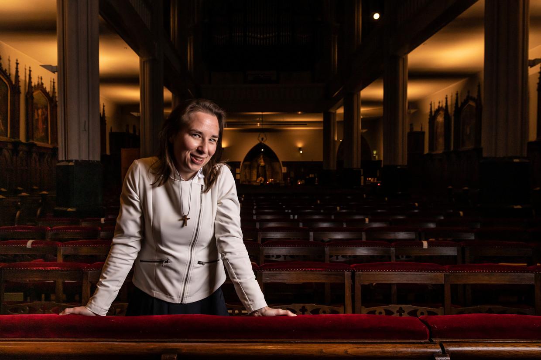 Isabella Wijnberg: 'Ik loop daar op de Zuidas met een houten kruis om mijn nek.' Beeld Dingena Mol