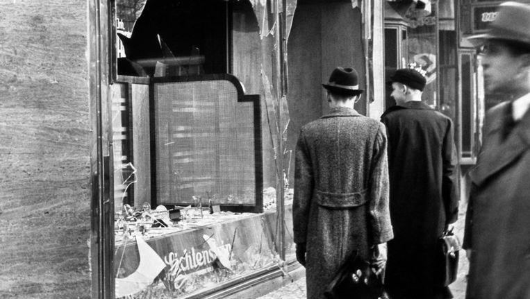 Op 9 november 1938 zetten de nazi's openlijk geweld in tegen Joden, en de samenleving liet het gebeuren Beeld Getty Images