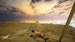 Deens koppel heeft seks op top van piramide: kamelendrijver en vrouwelijke tussenpersoon gearresteerd