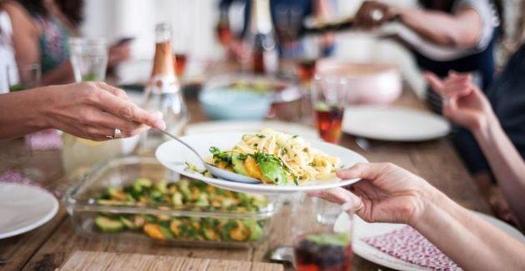 Vieze nasmaak na eten? Hier kan het aan liggen Beeld iStock