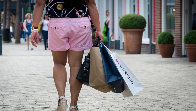 De Rotterdamse politie wil merkkleding afpakken van jongeren die daar eigenlijk geen geld voor hebben. Dat gaat te ver, vinden juristen en de lokale ombudsman. Beeld anp