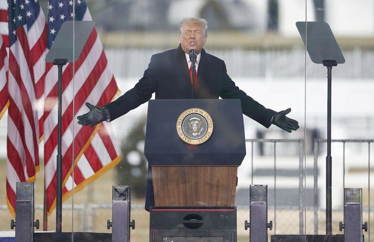 President Donald Trump zweept zijn aanhangers op in de aanloop naar de bijeenkomst van het Congres. Beeld EPA