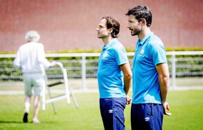 PSV-trainer Mark van Bommel en clubdokter Wart van Zoest.