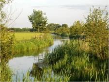Water van Bavaria voor de grond van boer Wilfried
